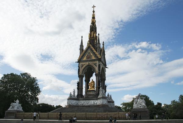 Londra gezilecek yerler: Albert Anıtı