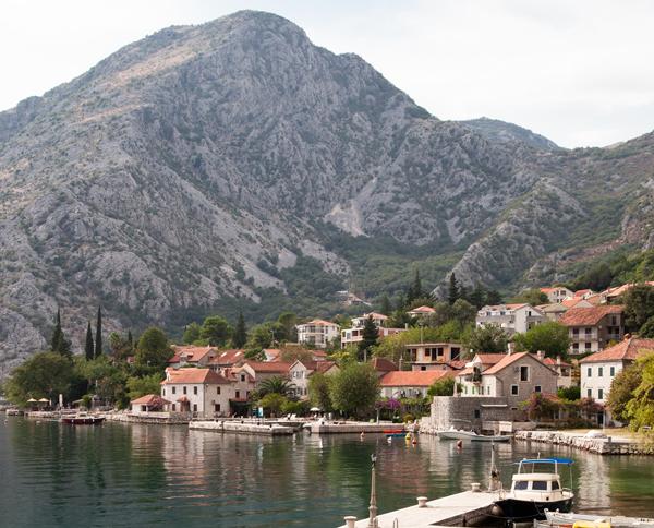 Dobrota Sahili, Karadağ