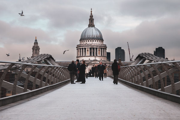 Millenium Köprüsü ve St Paul's Katedrali