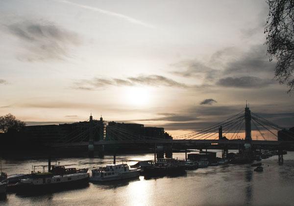Thames Nehri, Albert Köprüsü